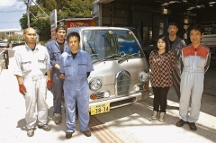 Automobile Maintenance Factory carries out a gasoline to electric-powered vehicle conversion