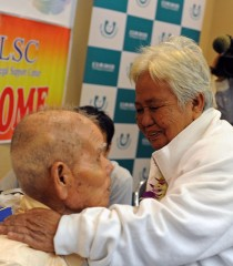 Second-generation Okinawan Filipina reunited with her father in Okinawa