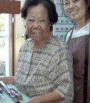 <Respect for the Aged Day>Ninety year-old Oshiro has lived with kasuri splash-pattern textile in a straight line for 77 years