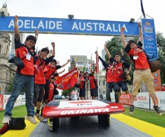 World Solar Challenge 2011<br> Okinawan high school team finishes 13th in a solar car race across Australia