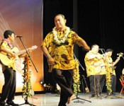 "The 5th Worldwide <em>Uchinanchu</em> Fesitival<br> <em>Ukwanshin Kabudan</em> from Hawaii sings ""to help maintain the spirit of <em>Uchina</em>"""