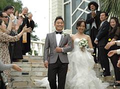 Nine Chinese couples have weddings in Okinawa ― Internet-based advertising of resort weddings