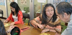 Students from Dalian on Okinawan culture experience tour