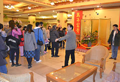 Chinese tourists flood into Okinawa ― the long holiday for Chinese New Year starts