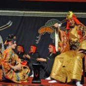 Ryukyuan dance and <em>Kumiodori</em> performed in Beijing