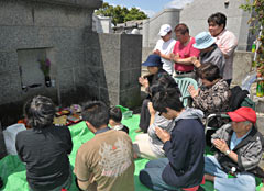 During the <em>Shimi</em> Festival people visit tombs to pray for their family's health