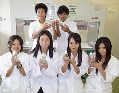 Hokubu Agricultural High School students succeed with sterile cultivation of Easter lily