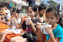 Free noodles at Motobu Okinawa <em>Soba</em> Fair