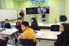 Kitanakagusuku pupils receive e-learning delivered by Washington State University
