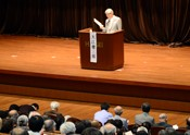 Nobel laureate Oe speaks out on Okinawa problem in Tokyo