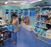 Okinawa Churaumi Aquarium opens a branch shop on Kokusai Street
