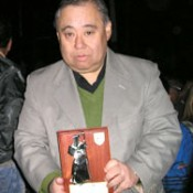 Okinawa Argentine doctor awarded for his contribution to local community