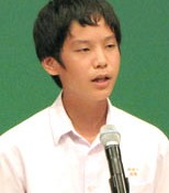 Junior high-school student whose parents are from China speaks out against prejudice