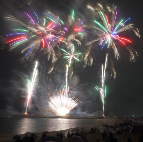 Earliest summer firework display held in Ginowan