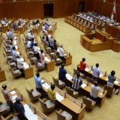 Ordinance to regulate sediment from outside Okinawa passes in assembly