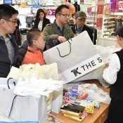 Lunar New Year tourists enjoy shopping sprees in Okinawa