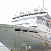 Chinese cruise ship docks at Nakagusuku; tourism dollars expected