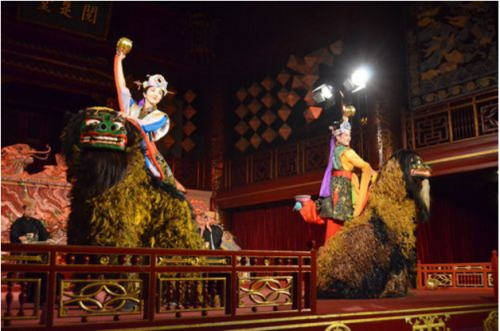 Okinawa art troupe performs Ryubu at Hue festival in Vietnam