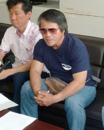 Okinawan novelist attempts to sue U.S. Marine Corps for detaining him