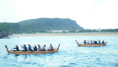 Project team recreates grass boats' voyage of 30,000 years ago from Yonaguni Island