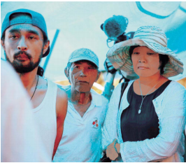 Helipad construction protestors surprised by First-Lady Akie Abe's Takae visit
