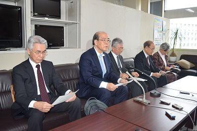 Nine Okinawan higher education institution presidents request Osprey flight suspension