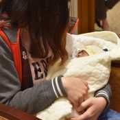 Taiwanese premature baby born in Okinawa returns home thanks to support