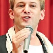 French actor gives a talk on the similarities between Okinawan and French cultures
