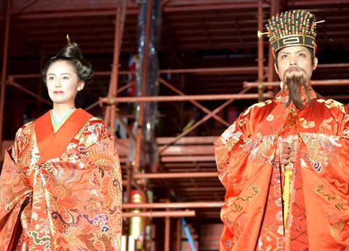 Shurijo Castle Festival: Tsuha and Higa elected for the roles of King and Queen