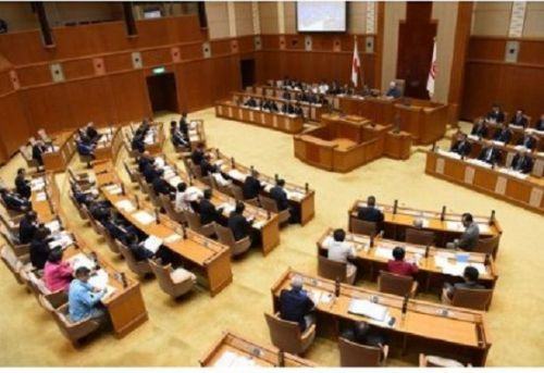"Prefectural Assembly repeats request for closure of Futenma stating, ""Okinawa is not a colony"""