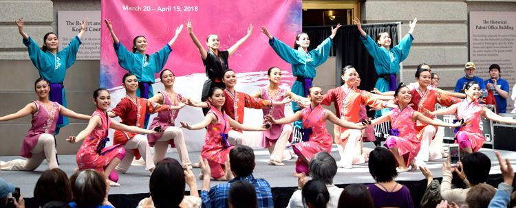 Ryukyuan ballet entertains audience in U.S. in its first overseas performance