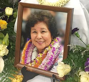 800 people gather to commemorate Okinawa-Hawaii figure Jane Serikaku