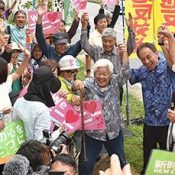 Denny Tamaki visits Henoko and reiterates his determination to stop Henoko base construction