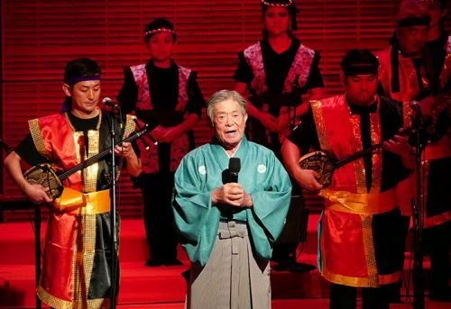 Okinawan National Treasure sings at legendary Carnegie Hall