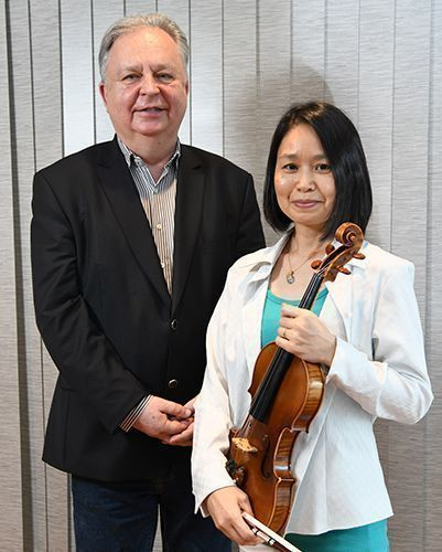 Violinist from Okinawa returns to her hometown to perform