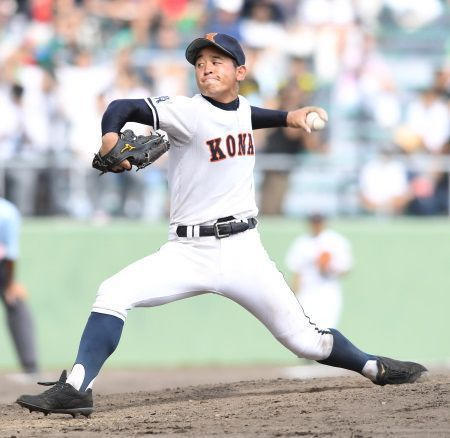 "Orix Buffaloes select Konan High School's Hiroya Miyagi with their first pick in the draft; ""I want to return the favor [of support] to my hometown."""