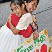 Korean woman travels through Japan giving free hugs