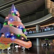 Don't miss this Christmas tree made of Ryukyu textiles this holiday season