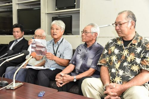 Ryukyu red tile craftsmen appeal to prefectural government to preserve burned red tiles