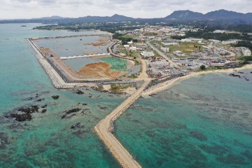 Embankment to be built for new Henoko base could collapse, weak ground fails to meet national port facility standards