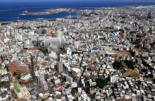 Okinawa's population reaches 1,456,417, an increase of 5,482 over last January