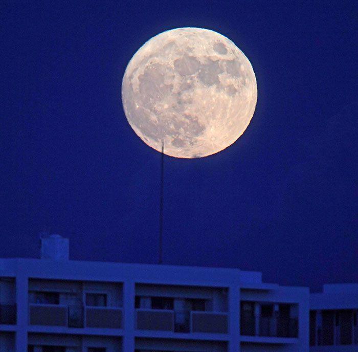 Mid-automn moon shines down on Okinawa