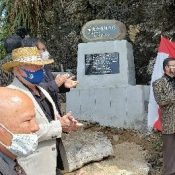 """Father of the sanshin"" memorial unveiled on Tsuken Island, Uruma"