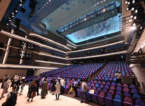 Naha's new Cultural Arts Theater incorporates elements of Shuri traditional textiles and the Okinawan Sea, and hopes to become a beacon for arts and culture