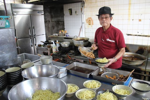 """On Okinawa Soba Day, read the untold story of the 92-year-old creator of """"Soki Soba"""""""